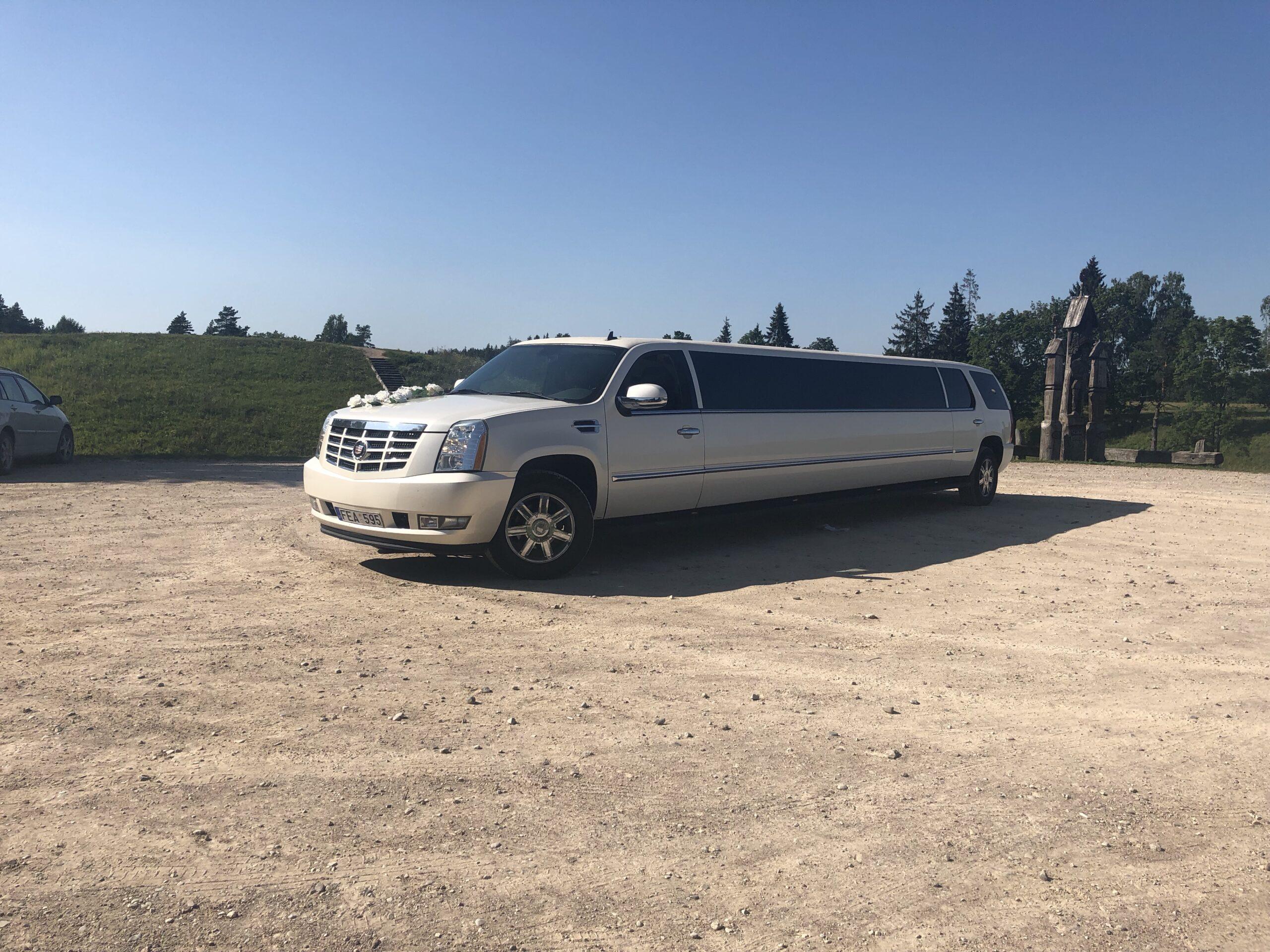 Cadillac Escalade limuzino nuoma Lietuvoje. Daugiau informacijos telefonu +37061755555
