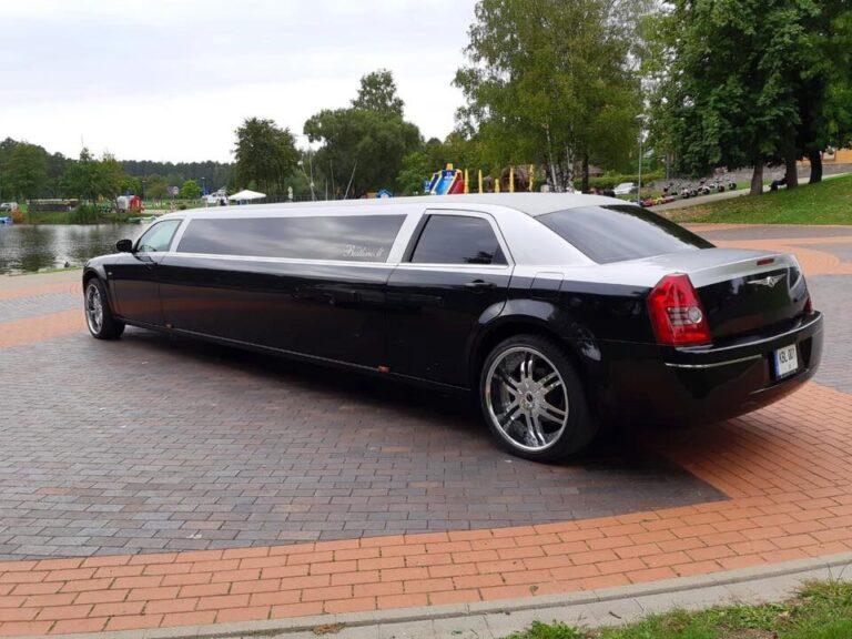 Chrysler 300c juodas limuzinas